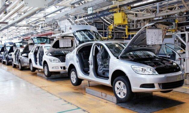 Lingering challenges weaken manufacturers' confidence
