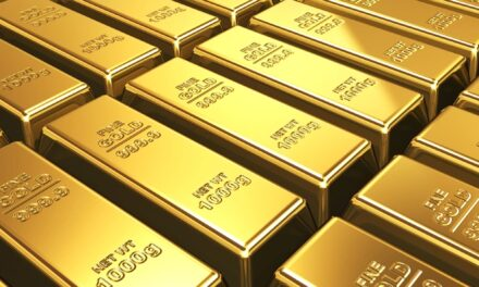 Gold slips as dollar strengthens on 'transitory' inflation view
