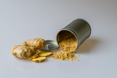 7 REASONS WHY YOUR BODY NEEDS GINGER