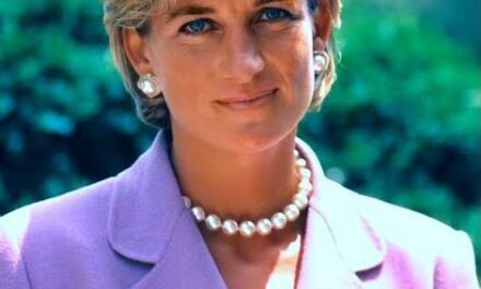 PRINCESS DIANA'S FORMER APARTMENT IN LONDON IS NOW A TOURIST SITE.